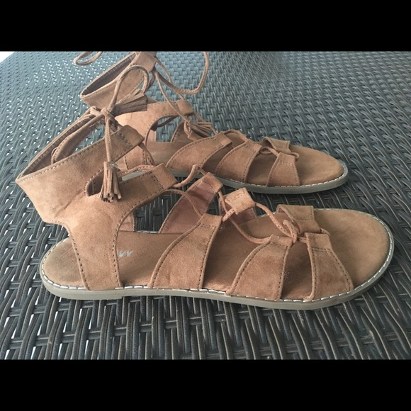 fce0282e304 LACE UP SUEDE GLADIATOR SANDALS. M 5becd0243c9844071c1d2dff